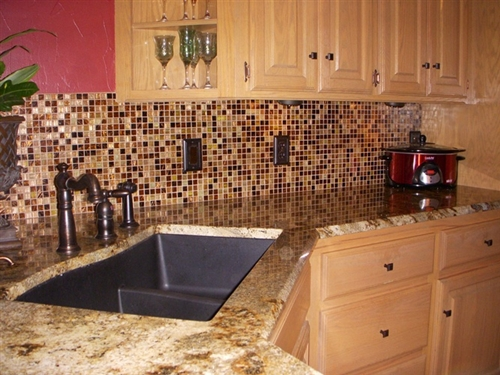 Kitchen Backsplash Design Idea 12